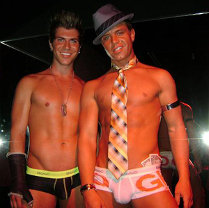 fitzhugh single gay men Mendating - gay dating does not conduct criminal background screening of its members learn about internet dating safety, click here  this website operated in the us by various inc at 910.